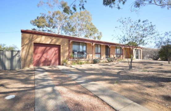 Family Home – 5 bedrooms – 89 Nowland Avenue Quirindi